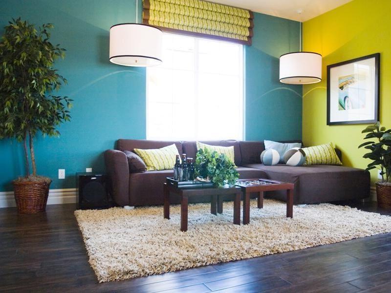 покраска стен в гостиной