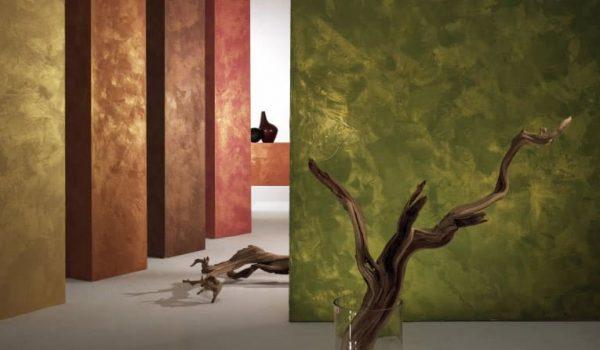 Что  такое декоративная бархатная отделка стен в комнате: как провести, что для этого нужно, как создается эффект рельефного бархата