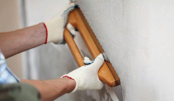 Когда нужна черновая штукатурка стен: как отделать бетонные стены, как правильно штукатурить разные поверхности с нуля
