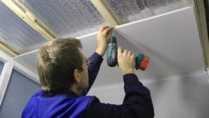 как крепить пластиковые панели к стене в ванной