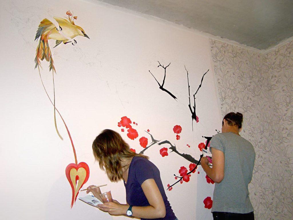 рисунки краской на стене