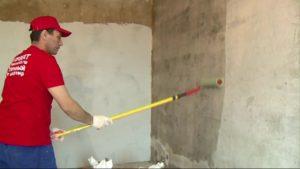 как наносить на стены грунтовку