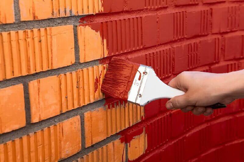 покраска кирпичных стен