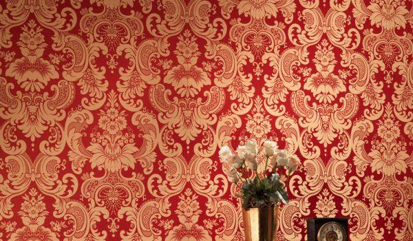 В чем особенность и преимущество тканевых обоев для стен: где применяются текстильные обои, как за ними ухаживать и клеить