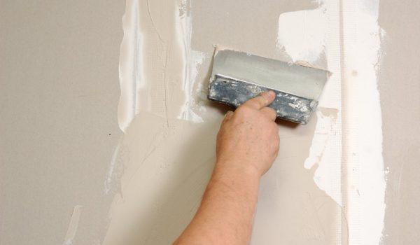 Выравнивание стен в квартире штукатуркой или гипсом: что лучше для стен в новостройке и какой гипсокартон лучше выбрать для выравнивания