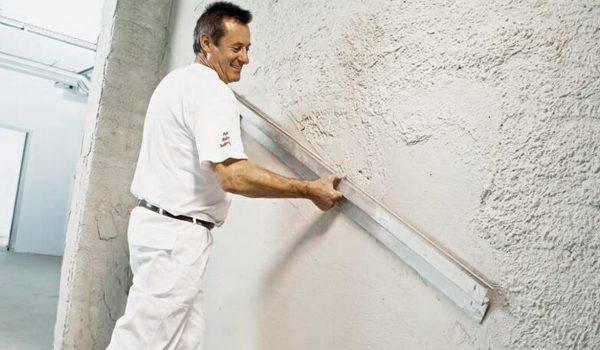 Как правильно проводить оштукатуривание стен гипсовой штукатуркой своими руками: рекомендации, техники