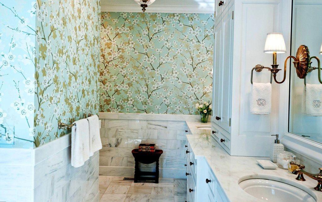 чем отделать стену в ванной