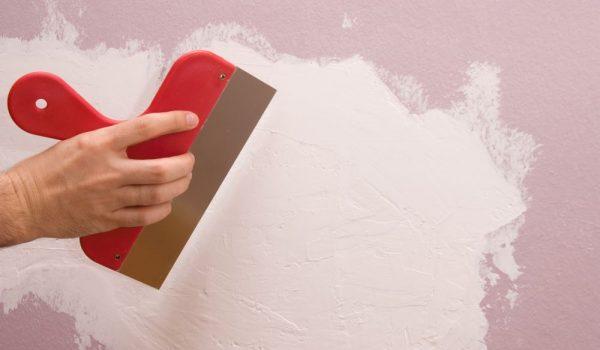 Технология шпаклевания стен под выравнивание под обои: какую смесь выбрать, как наносить, сколько слоев и чем хороша финишная отделка