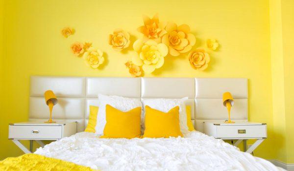 Как правильно выбрать, купить и поклеить желтые обои в небольшой или просторной комнате: советы, рекомендации, запрещенные приемы