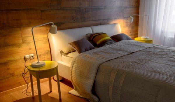 Дизайн спальни и ее стен с помощью ламината: правила крепления, варианты монтажа, уход и крепление