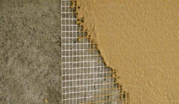 Какую стоит использовать армирующую сетку под бетон, обои, штукатурку по технологии - пластиковую, стеклопластиковую или металлическую