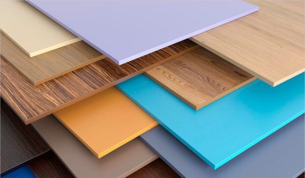 Разновидности влагоустойчивых стеновых панелей для отделки стен в ванной комнате: как клеить, какие выбрать материалы и как за ними ухаживать