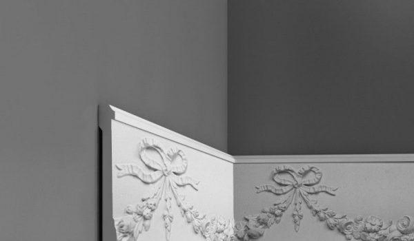 Декоративные багеты на стену или потолок, молдинг под обои или на них, варианты приклеивания в кухне, коридоре