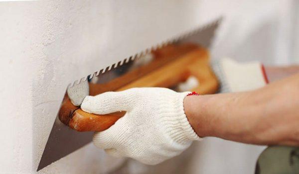 Как долго по времени сохнет стартовая, финишная или быстросохнущая шпаклевка и когда после таких работ можно клеить обои?
