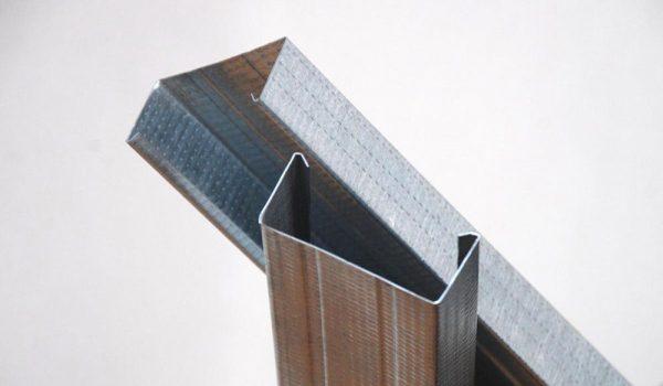Как обшить стены гипсокартоном с профилем по металлическому каркасу: варианты монтажа своими руками