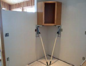 как закрепить на гипсокартонной стене шкаф