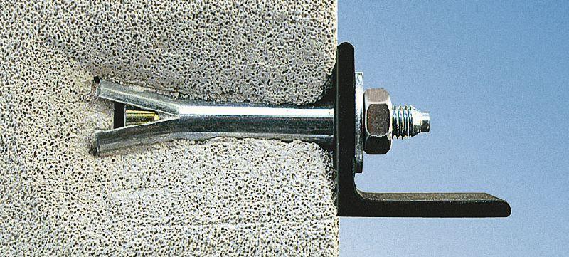 Можно ли вытащить пластиковый или металлический дюбель из стены своими руками? Какие инструменты нужны?