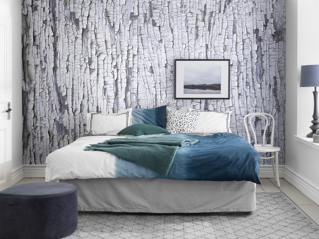 Правила выбора однотонных обоев для оклейки стен в разных помещениях