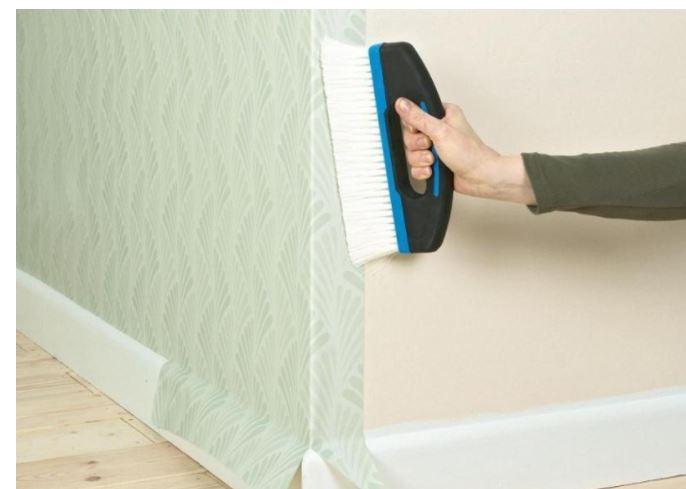 Оклейка стен виниловыми обоями на флизелиновой основе